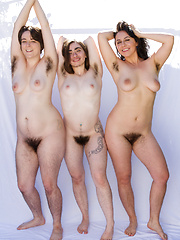 Nude hairy natural girl can